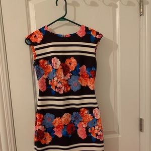 VINCE CAMUTO FLORAL AND NAVY DRESS